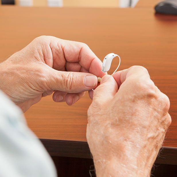 Adjusting hearing aids